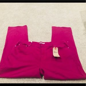 New! Dark pink Levi's Straight Leg Plus Size Jeans